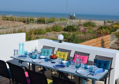 The Beach Hive Pevensey Bay - Terrace dining